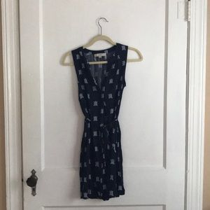Loft XS turtle navy print dress 👗